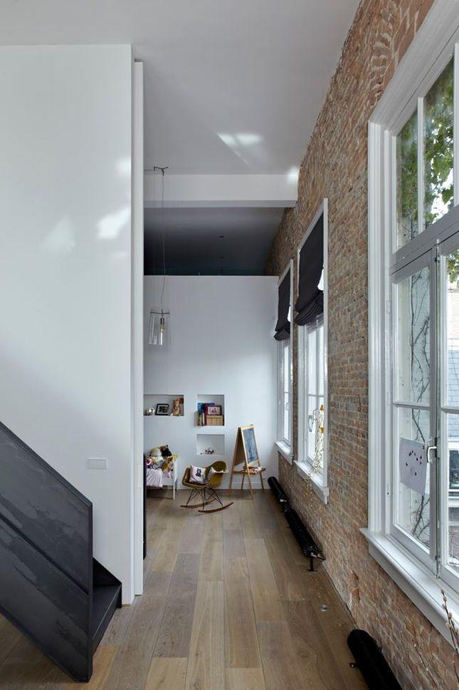 высокий потолок в интерьере
