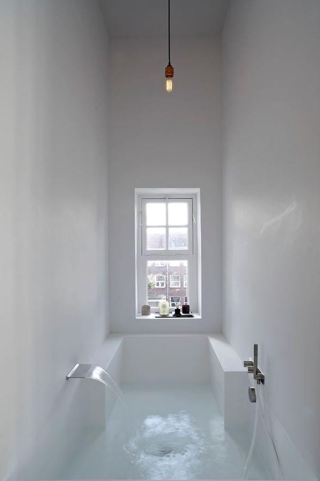 ванная из акрилового камня