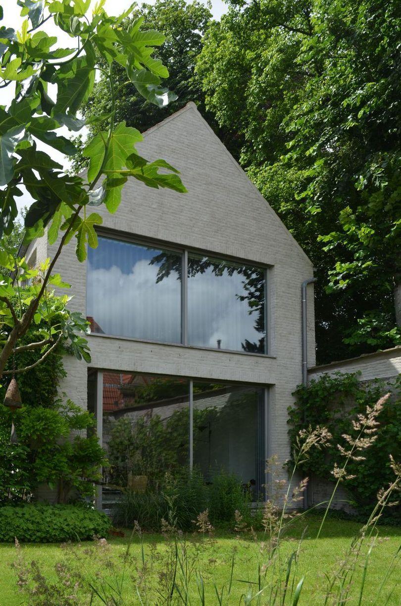 дом в саду 2