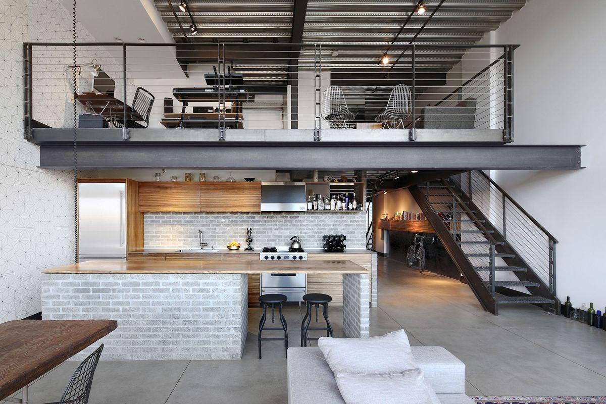 лофт высокий потолок
