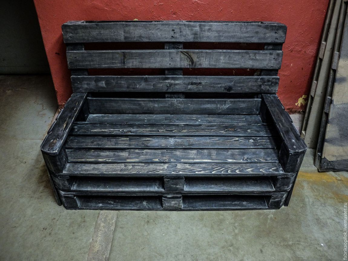 диван из паллет