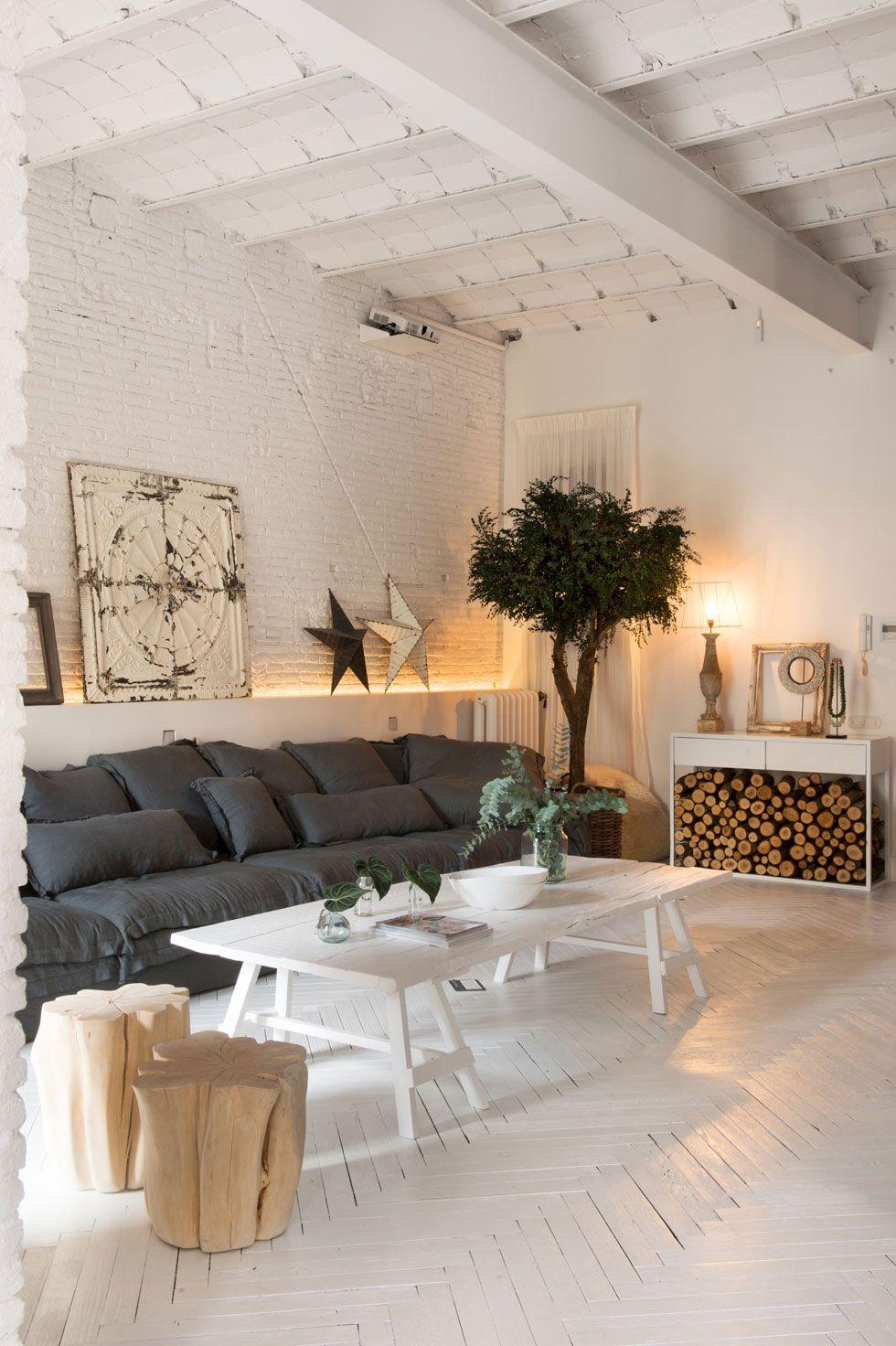 дизайн белой гостиной лофт