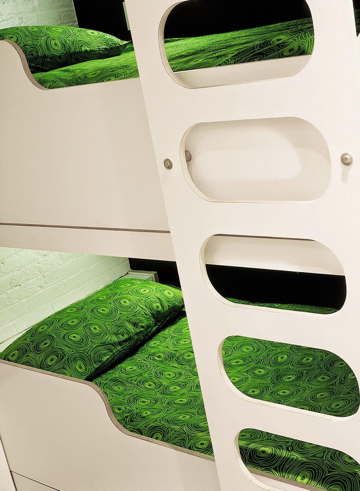 трехъярусная кровать лофт