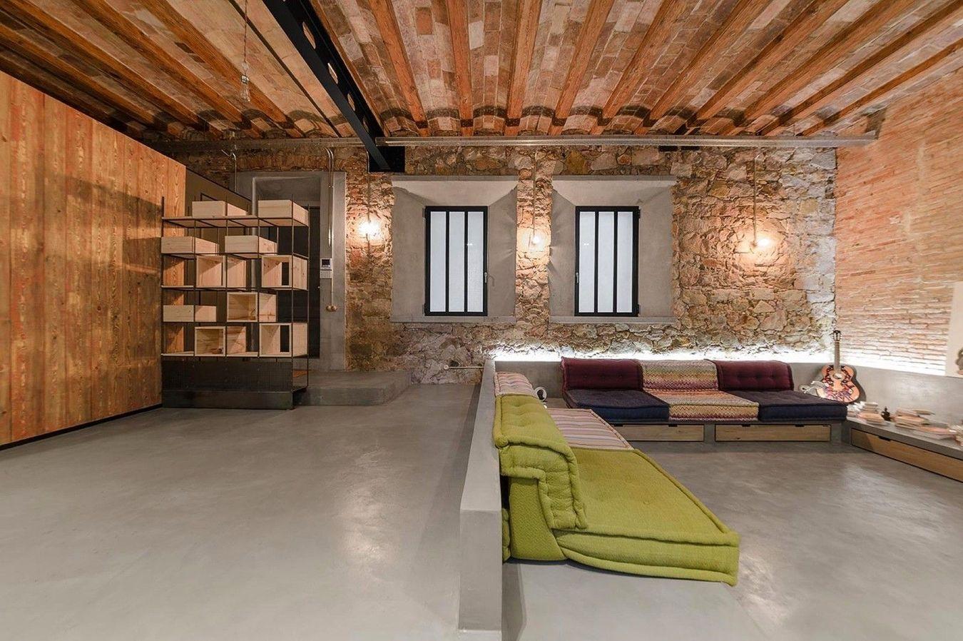 диван с бетонным основанием