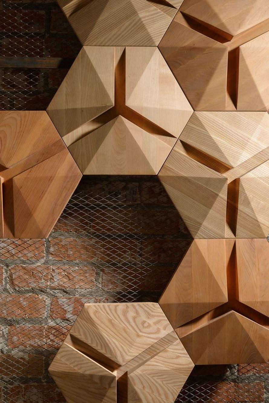 интересная конструкция из дерева