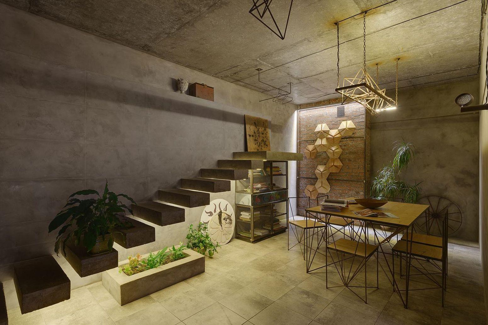 Лофт в Киеве лестница