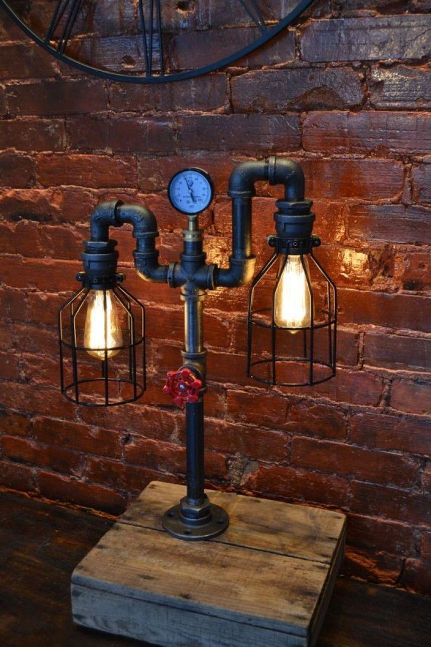 Лампа в стиле лофт из водопроводных труб