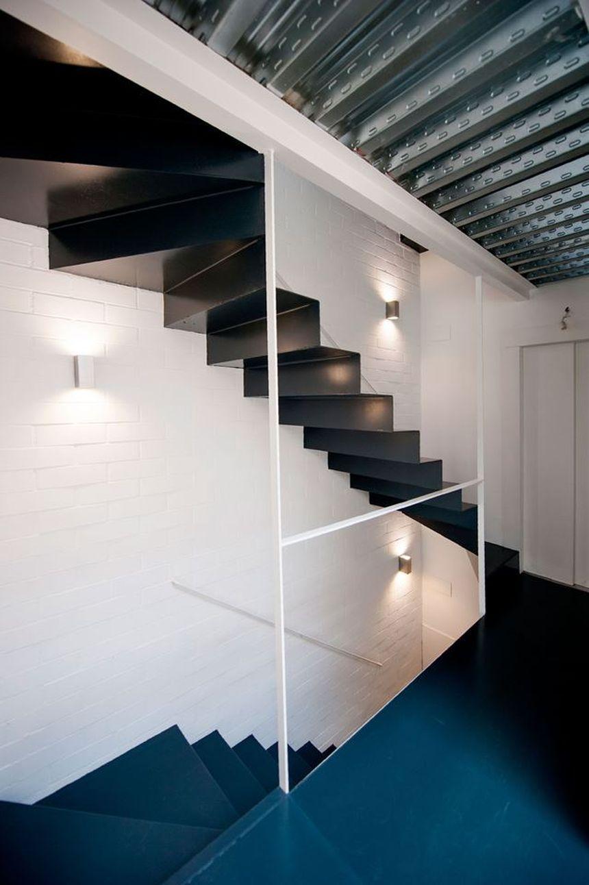Дом в стиле лофт лестница