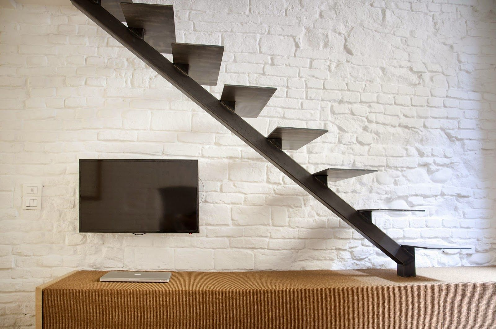 металлическая лестница лофт